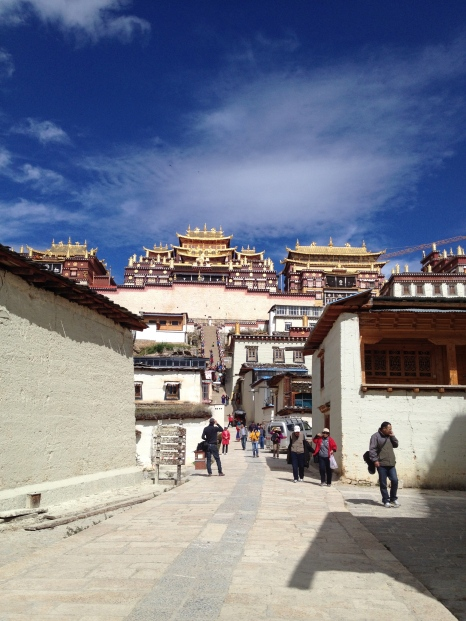 Blue skies above Songzanlin Monastery