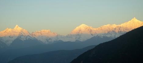 Meili Xue Shan (Snowy Mountains) _ expatlingo.com