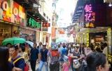 Tourist crowds in old Macau _ expatlingo.com