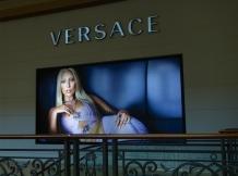 "Advertisement in ""The Shoppes"" Cotai Strip Macau _ expatlingo.com"