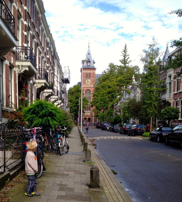 Utrecht street _ expatlingo.com