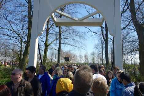 Crowds at Keukenhof 3 _ expatlingo.com