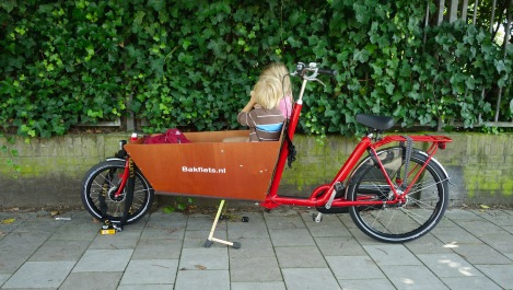 Bakfiets (cargo bike) _ expatlingo.com