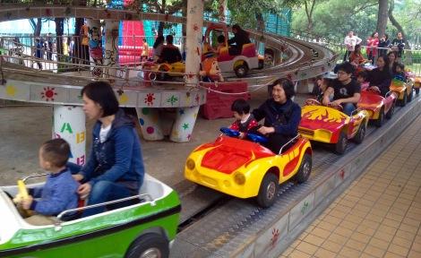 Ride in Hai Bin Park Zhuhai _ expatlingo.com