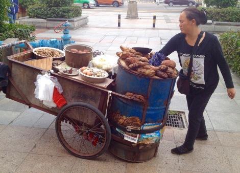 Sweet potato street food in Zhuhai _ expatlingo.com